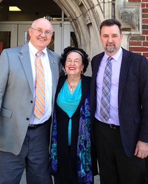 Widow of UT geology professor, Jimmy Walls, make major gift to UT